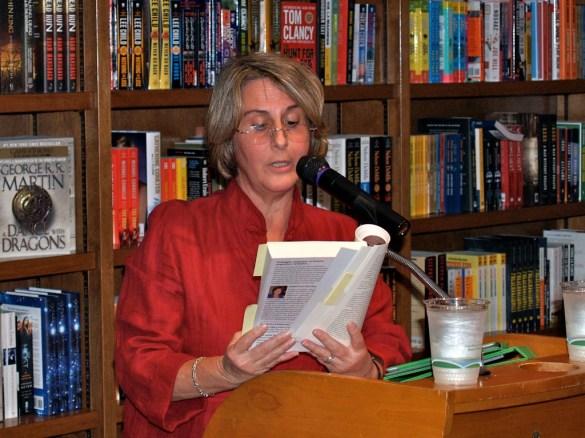 Carmen Duarte. Books and Books. 2013