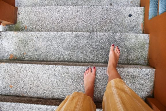 Walking around barefoot at Wat Phra That Doi Suthep Chiang Mai