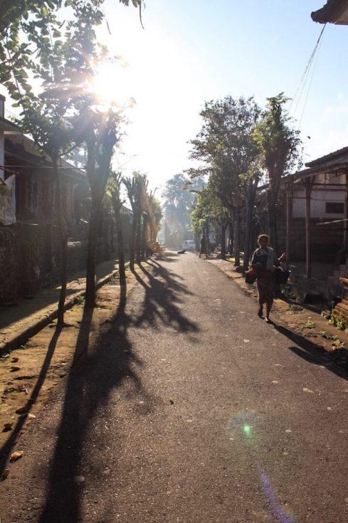 Walking to Pura Gunung Kawi Ubud, Bali