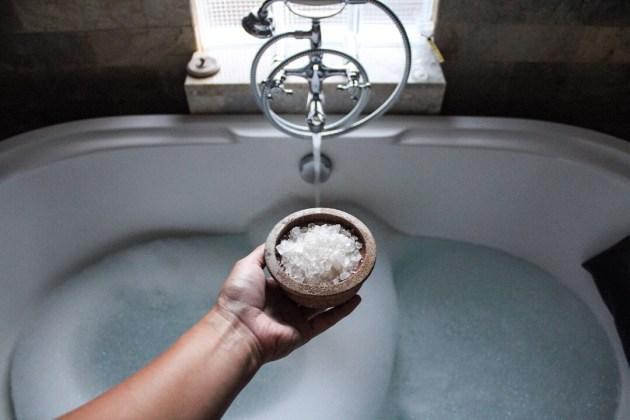 Bath tub at Komaneka Monkey Forest