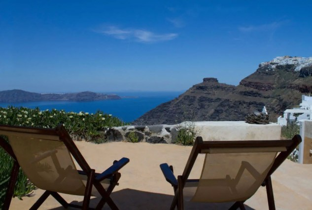 """""""Envision"""" unit, amazing sea views even from bed - Airbnb Santorini"""