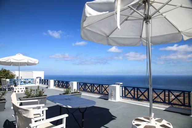 Pergeri #2 - Airbnb Santorini