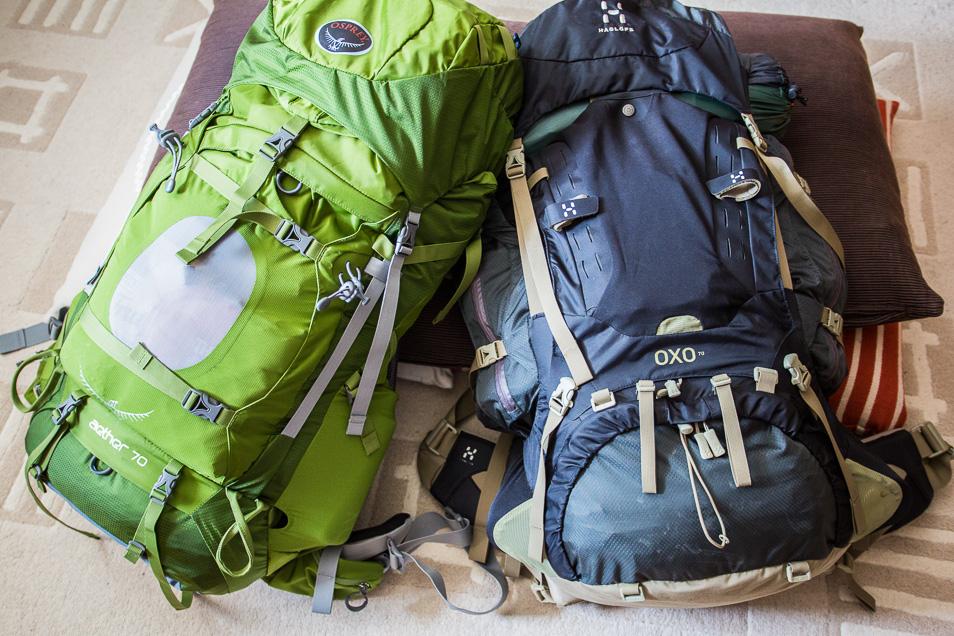 Packa ryggsäcken inför vandringen Le Trek