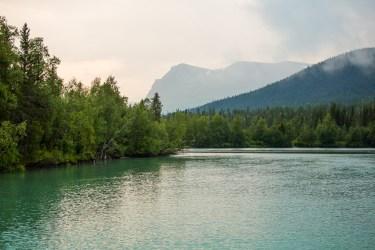 Vattnet som kommer från Gamájåhkå är alldeles turkost.