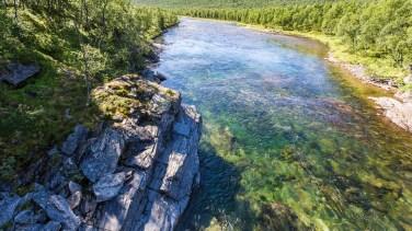 Vindelälvens klara vatten