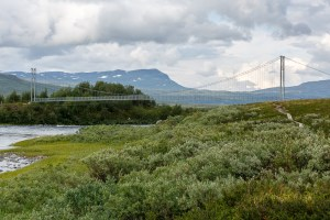 Bron över Vuojatädno