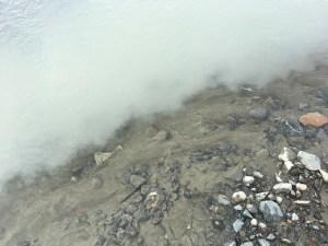 Tydlig gräns mellan glaciärvatten och smältvatten