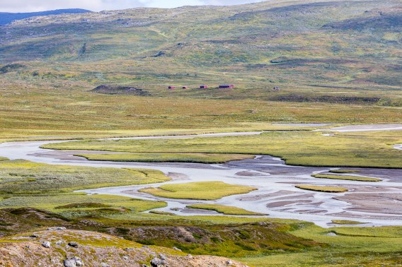 Pieskehaurestugorna på andra sidan Lájrrosläddo