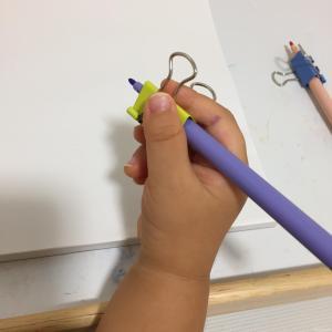 鉛筆 クリップ 矯正 持ち方 補助具 2歳