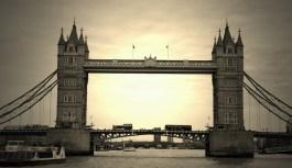 london bridge inglaterra 900x520 Fazendo turismo em Londres na Inglaterra