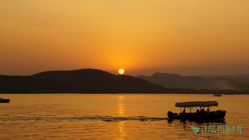 Zachód słońca w Udaipurze