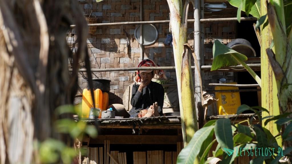 kobieta w okolicach kalaw