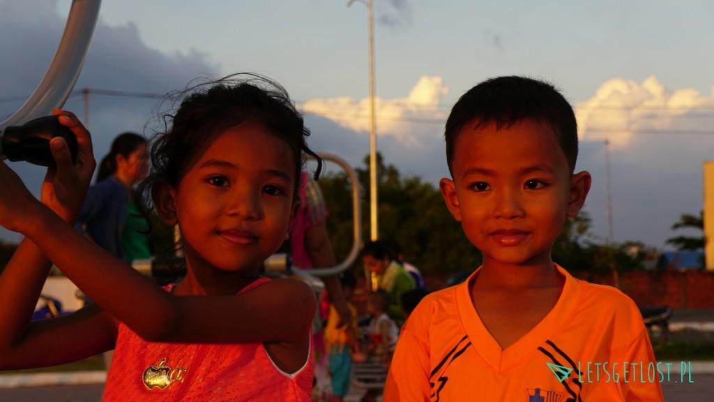 Dzieci w Kampot