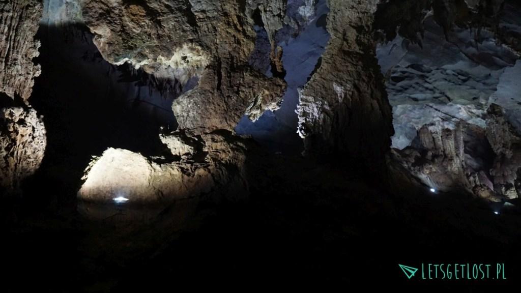 jaskinie w phong nha-ke bang