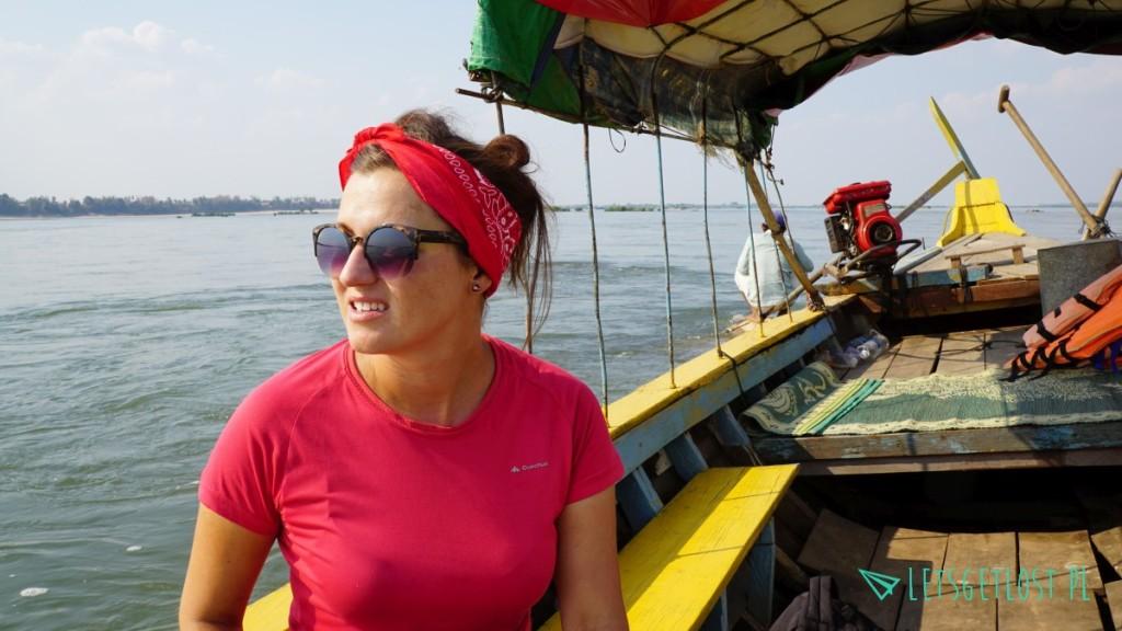 Na łodzi do domu delfinów