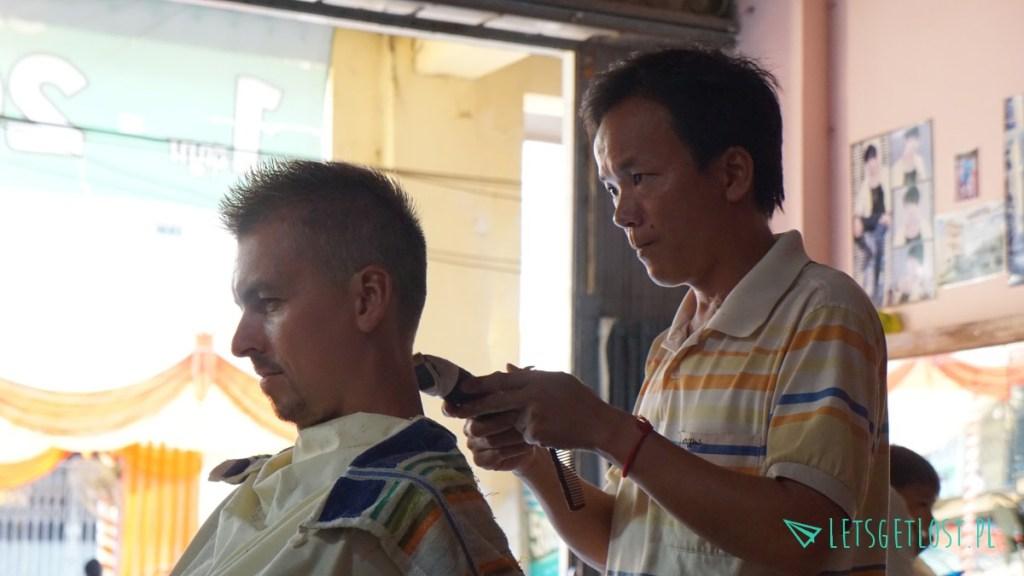 U fryzjera w Kratie
