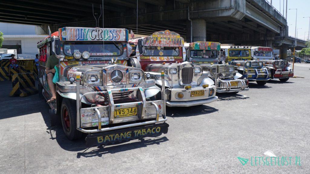 Jeepney to podstawowa forma transportu na Filipinach
