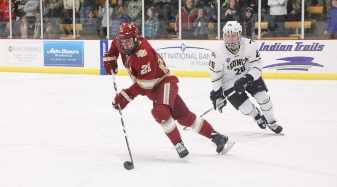 Pioneers Bounce Back with 3-2 Victory over Western Michigan Broncos