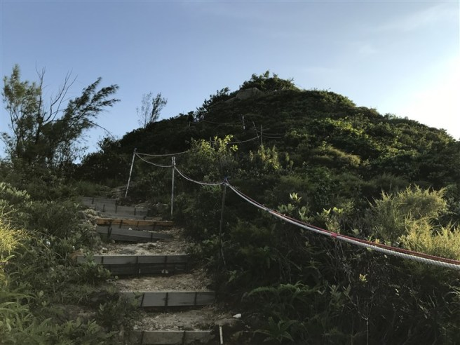 魔鬼山看日落 (港鐵油塘站>歌賦炮台>炮台山山頂碉堡>港鐵油塘站)