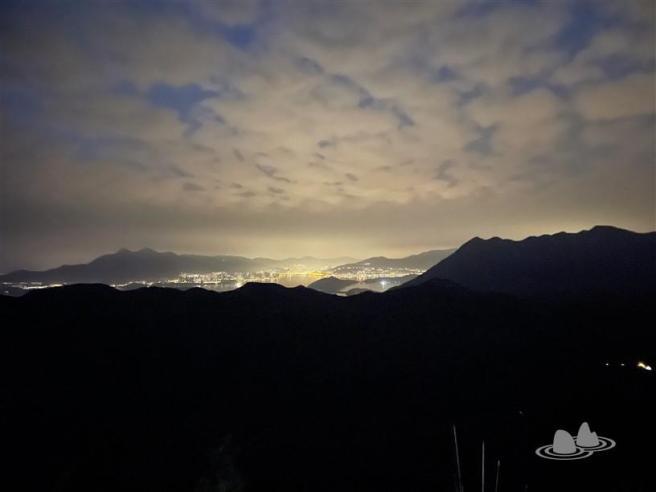 吊燈籠看日出 (南脊上東脊落)