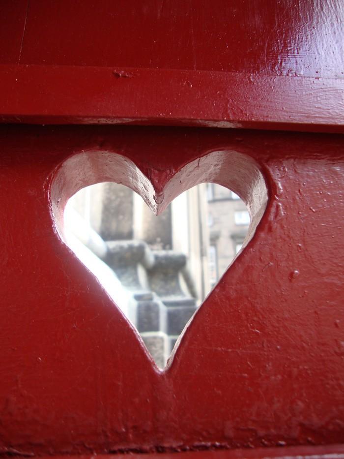 Spioncino a forma di cuore