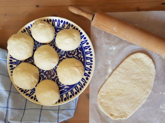 Pane-naan-la-ricetta-del-pane-indiano