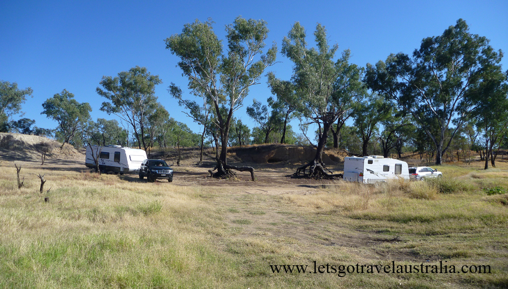 Camp-area-at-Balonne-River-St-George-3