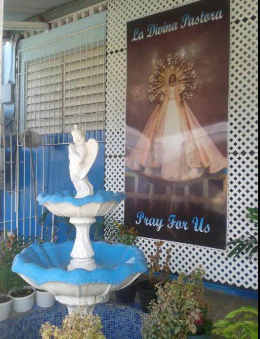 Stop at La Divina Pastora