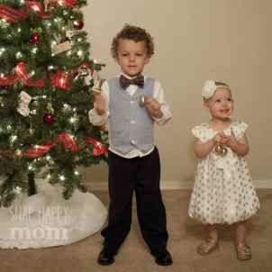 How To Take WHIMSICAL Christmas Tree Pictures With Kids