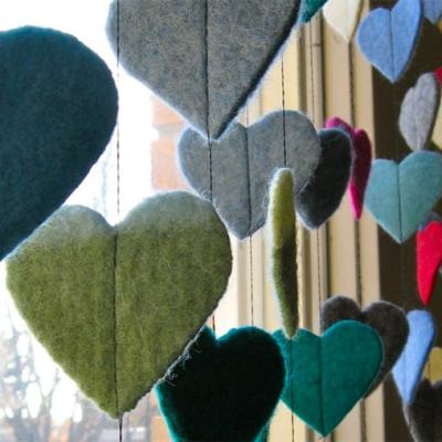 Adorable Felt Heart Garland Craft for Valentine's Day