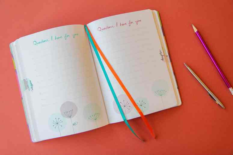 Just Between Us Journal: How to Use a Mother-Daughter Journal Ideas for your Tween or Teen *These mother-daughter journal prompts are great!