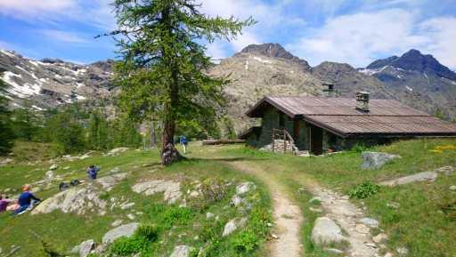Rifugio Barbustel, Parc Mont Avic.