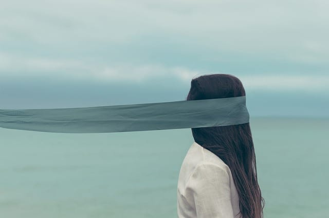 4 Ways to Stop Fearing Being Judged and Start Living Your Life