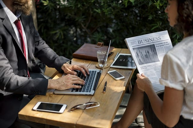 4 Ways to Make Your Online Business Look More Professional and Keep Ahead of The Competition
