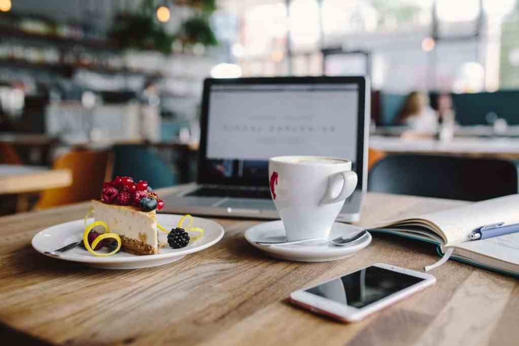 Want to Start Your Own Summer Business? Here's How to Open a Summer Cafe