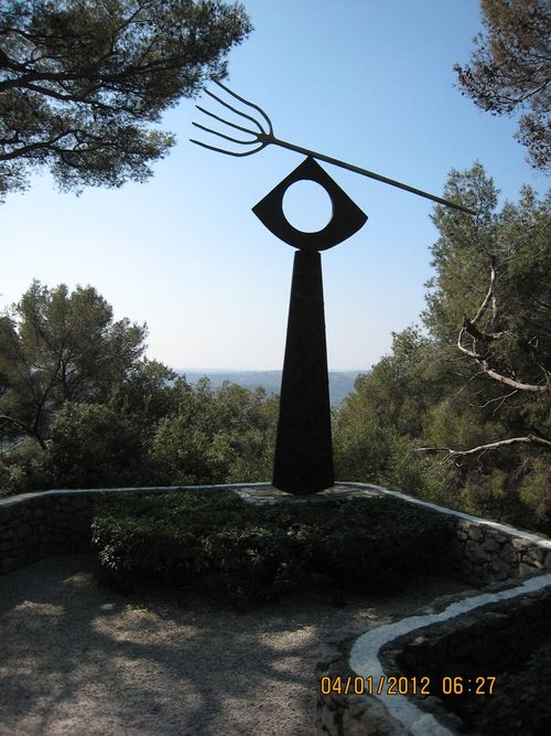 Miro, La Fourche, 1963, bronze, Fondation Maeght