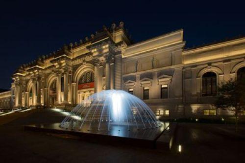 Night view fountain