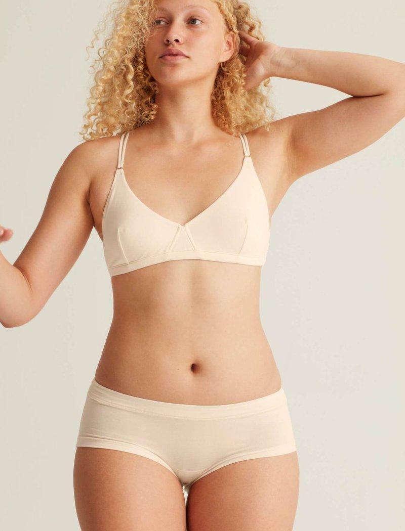 smooth-fit-soft-bra-move-base-blush-956147_1800x1800