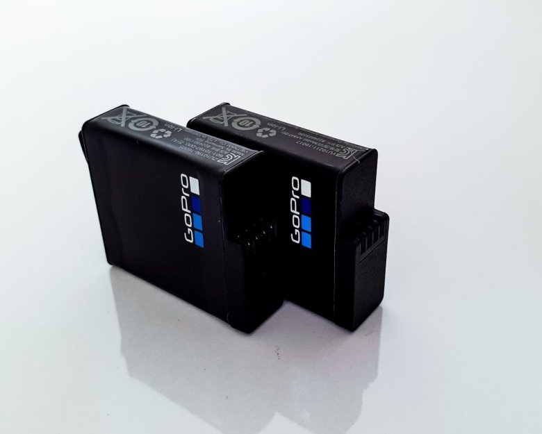 2 spare batteries for the GoPro hero 7 black
