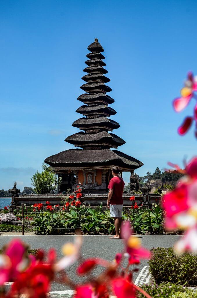 Jonathan enjoying the beautiful Ulun Danu Beratan Temple