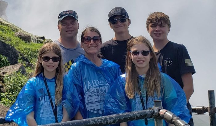 PNET patient Lisa Tayman and her family