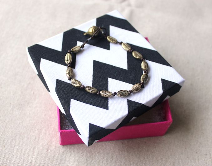 diy fabric covered jewelry gift box - fall bracelet