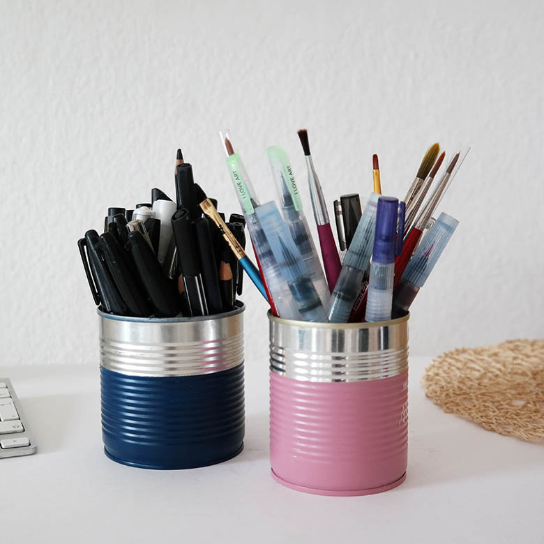 DIY Stiftebecher aus Konservendosen rosa und blau