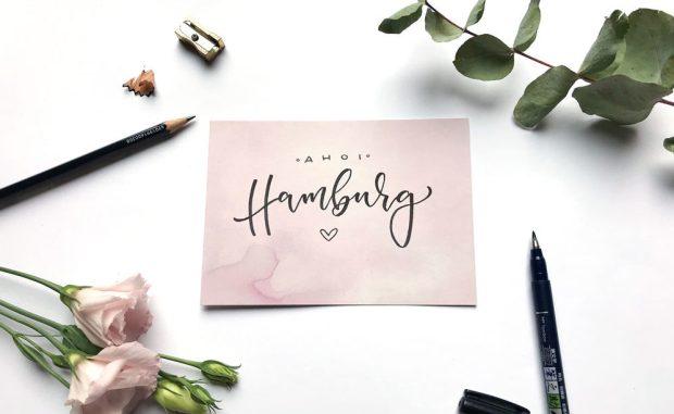 """ein Lettering mit """"Ahoi Hamburg"""", designed by Martina Johanna, Handlettering Künstlerin aus Bremen, modern Calligraphy"""