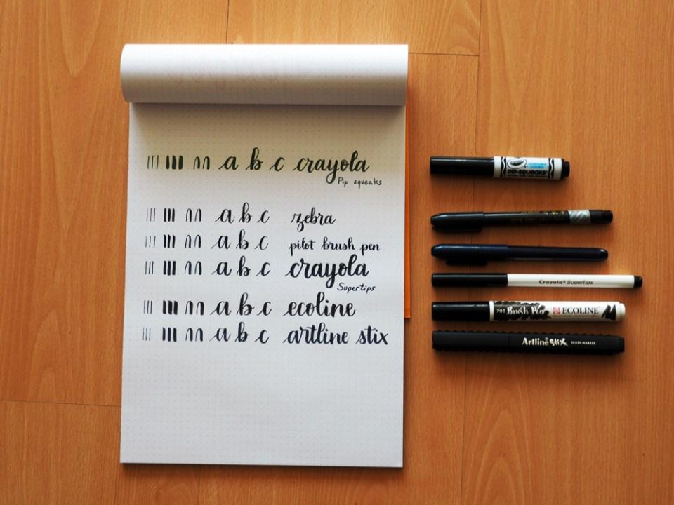 différents feutres de brush lettering