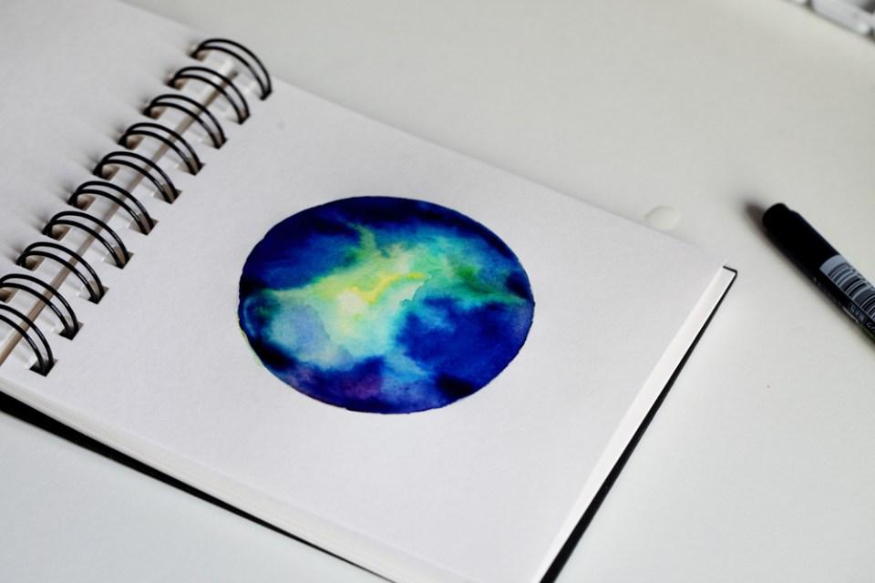 Effet galaxie à l'encre Ecoline