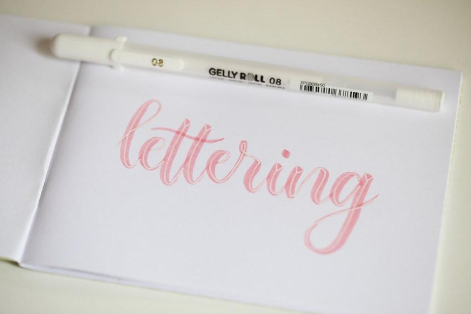 lettering effet prisme