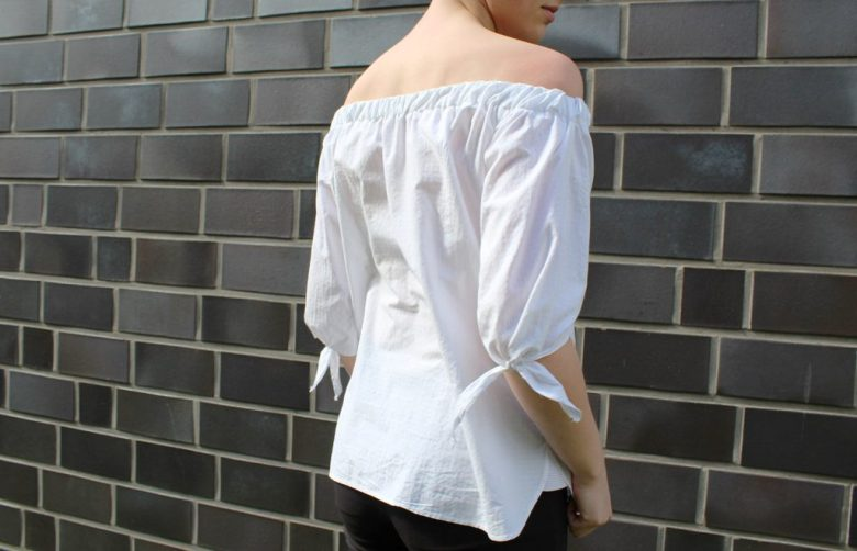 letters&beads-off-shoulder-top-DIY-ende