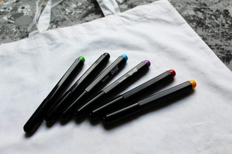 letters&beads-diy-farbe-jutebeutel-verschönern-individuell-schritt-1-1