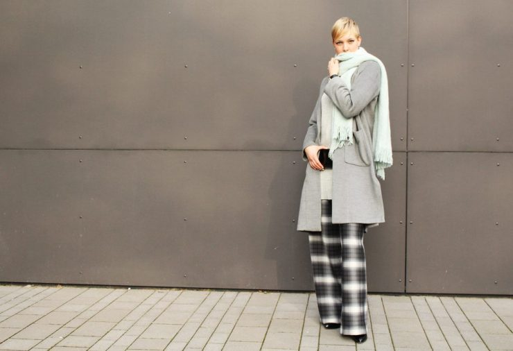 letters&beads-fashion-oversized-lagenlook-in-grau-schattierungen_2